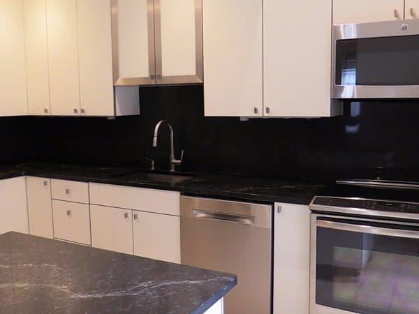 White Cabinets Black Countertop Bakcsplash Island Etobicoke